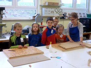Krippenbaukurs für Kinder ist gestartet.
